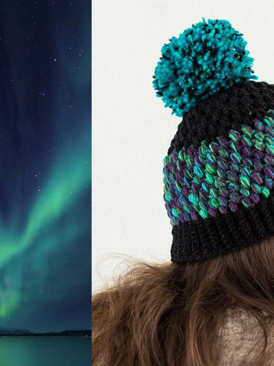 black-and-turquoise-pompom-beanie-warmsquirrel-06