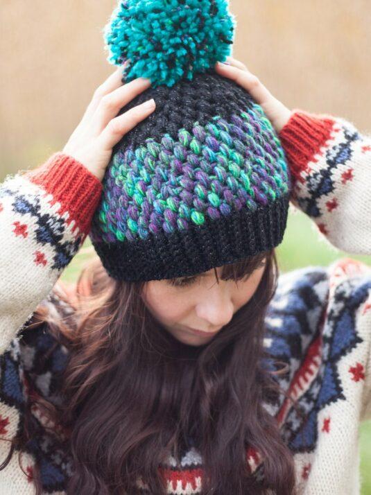 warmsquirrel-crochet-beanie-northern-lights-front