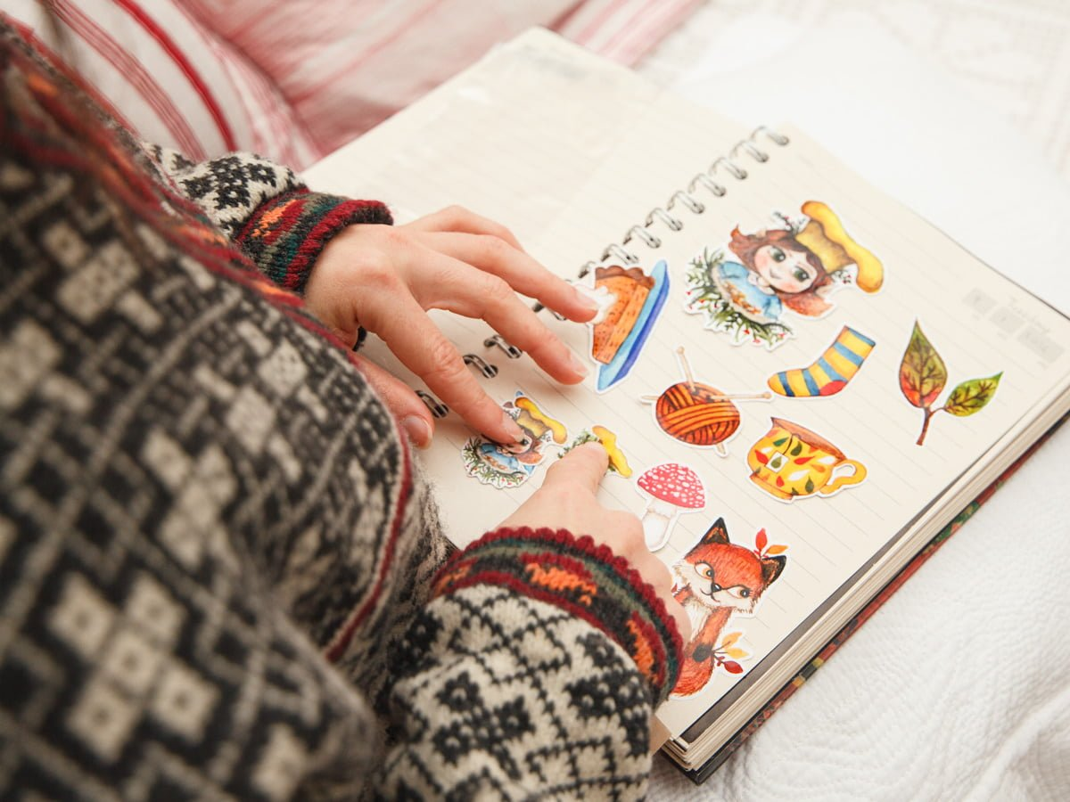 A closer picture of a girl with a notebook