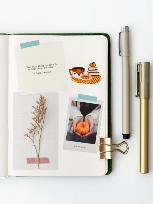 WarmSquirrel Green Notebook Autumn Time